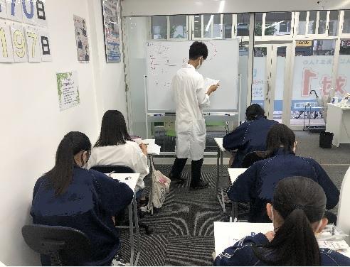 集団授業の様子です画像